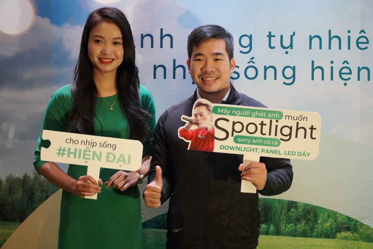 Làm hashtag cầm tay tại Đà Nẵng
